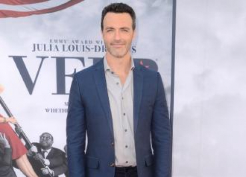 Reid Scott In Talks To Join Venom Movie