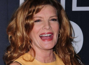 "Rene Russo Delivers Very Emotional Acceptance Speech, Thanks High School Teacher That Kept ""Me From Killing Myself"""