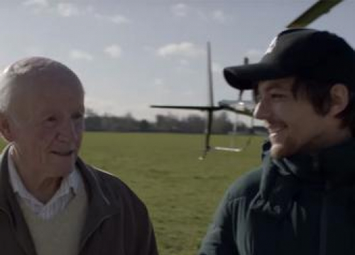Louis Tomlinson Helps Pensioner Tick Off His Bucket List