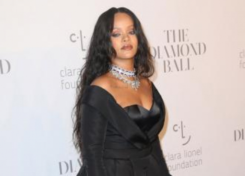Rihanna Is Rumoured To Working On A Double Album