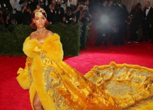Rihanna steals show at Met Gala
