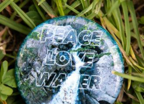 Ringo Starr, The Cure And Sigrid Design Glastonbury Badges For Wateraid