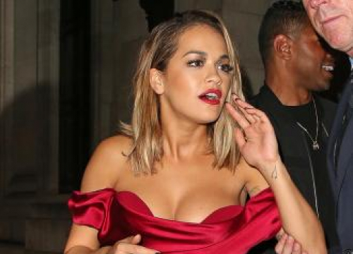 Rita Ora Wears Cast For Boy Band After Foot Injury
