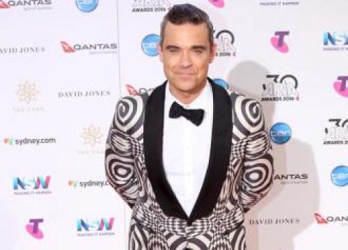 Robbie Williams Recalls Terrifying Health Scare