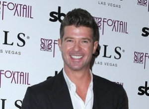 "Robin Thicke's Dad Admits Getting ""Freaky"" To His Son's Music & Robin Isn't Happy About It"