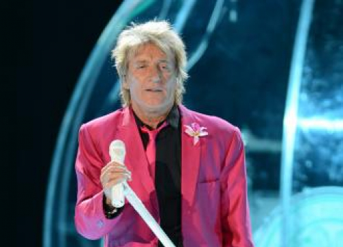 Rod Stewart And Cyndi Lauper Going On Tour Together