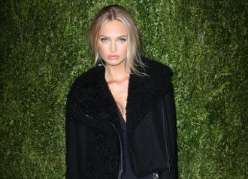 Romee Strijd Didn't Realise Fashion Week Was Such A 'big Deal'