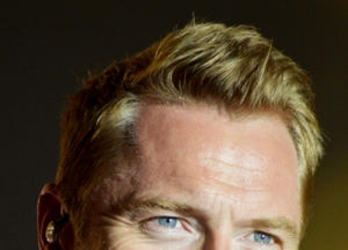 Ronan Keating Envies One Direction Lifestyle