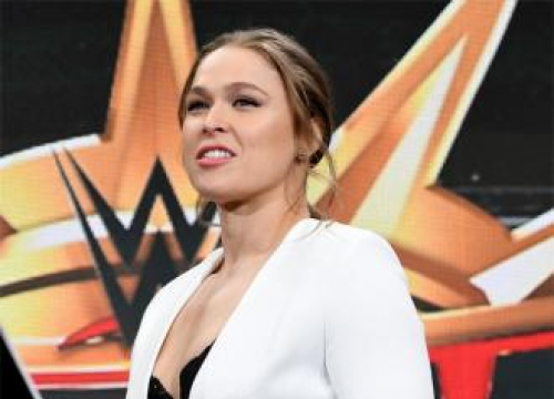 Wrestlemania To Feature First-ever Women's Main Event