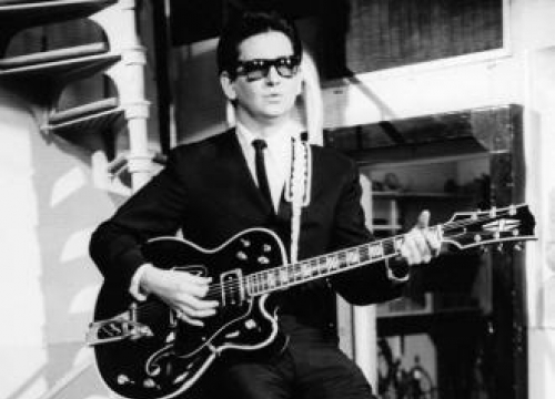 Ward Thomas' Record Virtual Duet With Late Roy Orbison