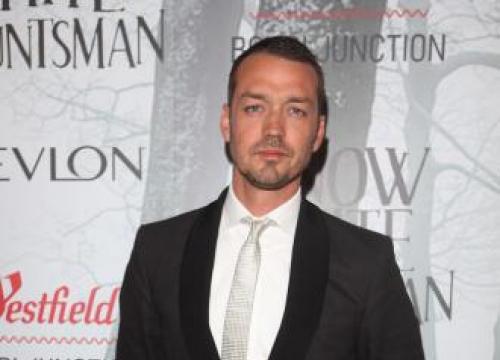 Rupert Sanders Heaps Praise On Ghost In The Shell Star Scarlett Johansson