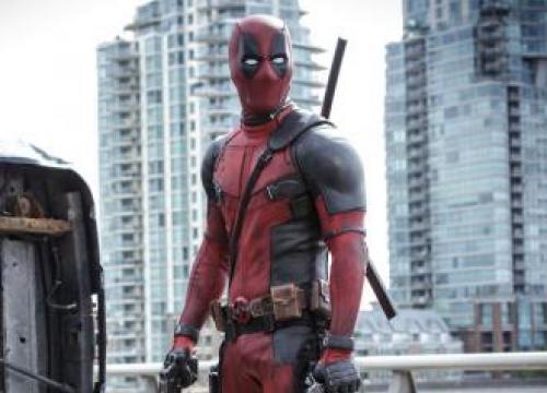 Zazie Beetz: Ryan Reynolds Is 'Incredibly Talented'