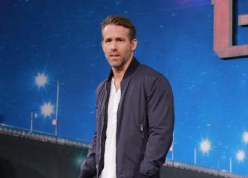 Ryan Reynolds Won't Let Anna Kendrick Steal Blake Lively