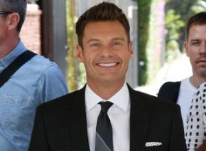 Ryan Seacrest is dating single mother