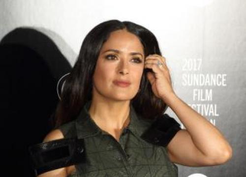 Salma Hayek Shocked By Weinstein Story Reaction