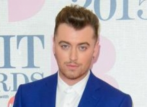 Sam Smith Had To Speak Via Phone App While Recovering From Throat Surgery