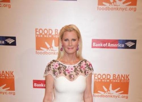 Tv Chef Sandra Lee Hospitalised - Report