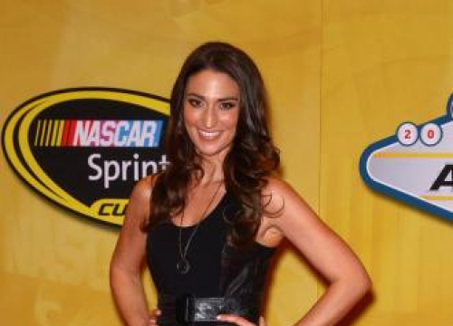 Sara Bareilles To Perform At Oscars