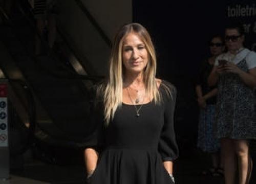 Sarah Jessica Parker Releasing Line Of Little Black Dresses