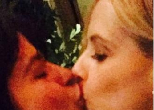 Sarah Michelle Gellar kisses Selma Blair again