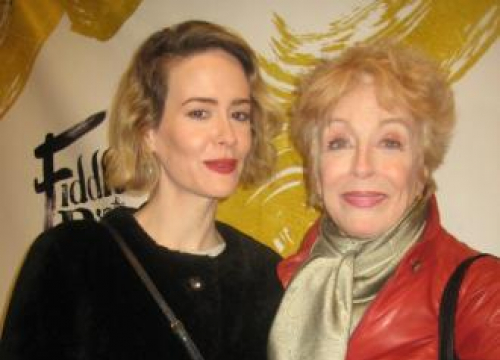 Sarah Paulson And Holland Taylor Don't Share Style Tips