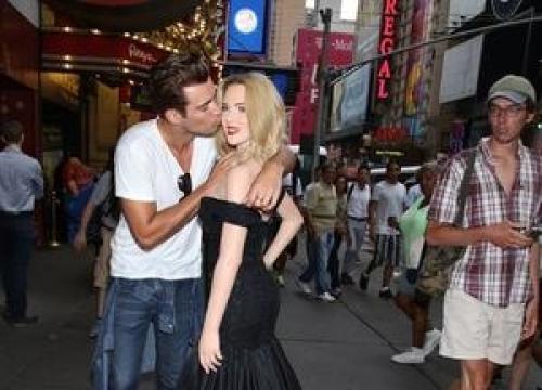Novel At Centre Of Scarlett Johansson Lawsuit Gets U.k. Release