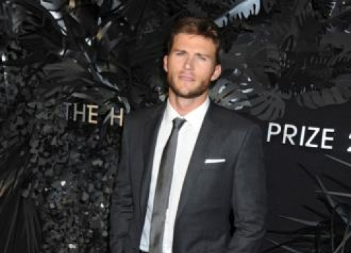 Scott Eastwood Doesn't Know What To Do With Heartthrob Status