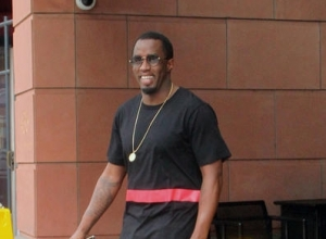 Sean 'Diddy' Combs Laughs Off Stage Fall