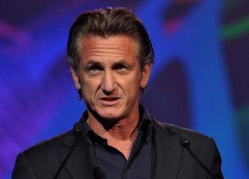 Sean Penn Attacks Donald Trump In Debut Novel