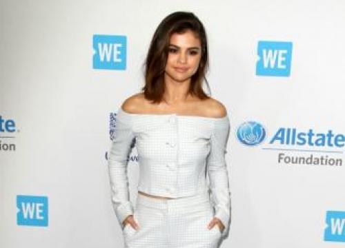 Selena Gomez Loves Big