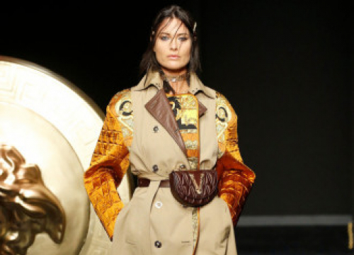 Shalom Harlow Re-signs With Img Models