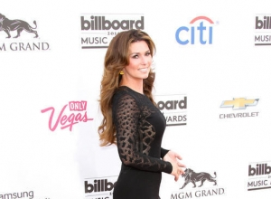 Shania Twain Promises To 'Rock This Country' On Farewell Tour