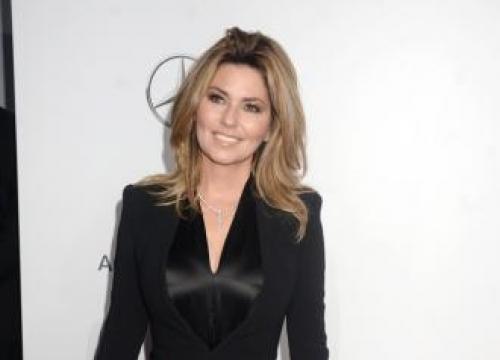 Shania Twain To Star In John Travolta Movie