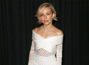 Sienna Miller cut her own hair