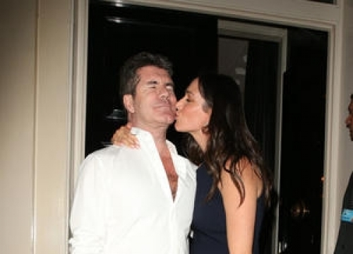 Simon Cowell Thanks Fans For Support After Mother's Death