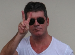 Simon Cowell Criticises Prince Over American Idol Performance