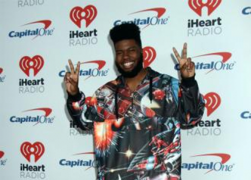 Khalid Steps Into Crowd To Comfort Crying Fan At Manchester Gig