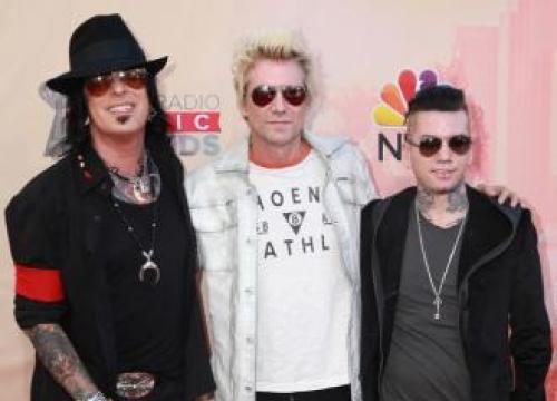 Dj Ashba Quits Guns N' Roses