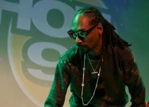 Snoop Dogg Cried Trying To Write For Nate Dogg Track