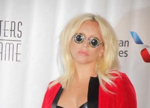 Lady Gaga Calls For Peace In Istanbul After Gay Rights Rally Violence