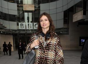 Sophie Ellis-Bextor Fighting Warpaint, Ellie Goulding For UK Album Chart Number One