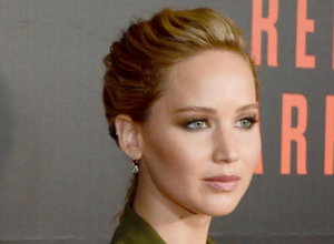 Jennifer Lawrence Hits Out At Photocall Outfit Criticism