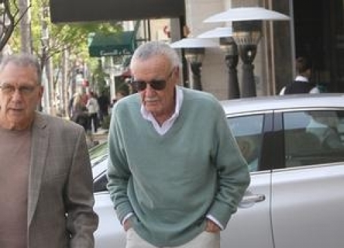 Stan Lee Recovering After Hospital Scare
