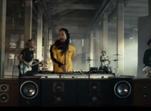 Steve Aoki - Why Are We So Broken ft. Blink-182 Video