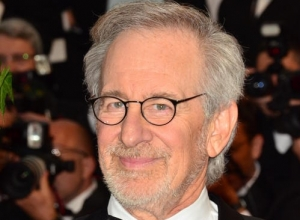 Steven Spielberg Expresses Disappointment For Hollywood Not Supporting John Kerry