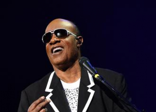 Stevie Wonder Defends Bruno Mars