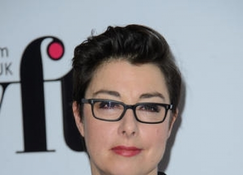 Tv Personality Sue Perkins Has Been Hiding Brain Tumour For Eight Years