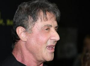 Sly Stallone Takes Fan Pic On 'Rocky Steps', Includes Everton Fans In New 'Rocky' Film
