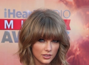 Taylor Swift Teases 'Bad Blood' Video One Final Time