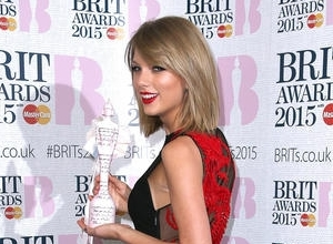 Billboard Awards: Taylor Swift Wins All of the Things